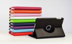 De 360° draaibare hoes iPad mini / 360° roteerbare hoes iPad mini is zeer geschikt bij het gebruik van je tablet. Het is een luxe hoes van hoge kwaliteit die zowel horizontaal als verticaal te gebruiken is. Dit komt door zijn unieke 360 ° draaimogelijkheid. Een draai mogelijkheid die er voor zorgt dat je iPad mini erg comfortabel te gebruiken is ! De 360 graden case is leverbaar in de volgende kleuren: zwart,donker blauw, groen, oranje, paars, rood, licht roze, donker roze, wit en bruin
