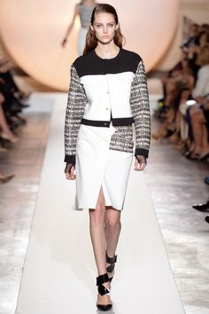 Roland Mouret Spring 2014 Ready-to-Wear Fashion Show - Auguste Abeliunaite (Women) Spring Fashion, Fashion Show, Fashion Design, Spring 2014, Summer 2014, Spring Summer, Prabal Gurung, Roland Mouret, Donna Karan