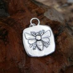 Bee Pendant – Simply Sterling and Company