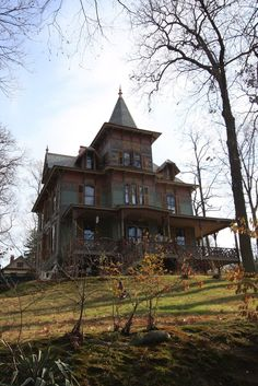 1883 Seacliff~old abandoned house