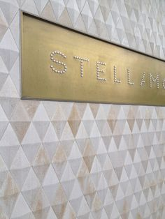 Stella Mc Cartney Store facade finish