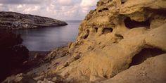 Matala w paski. Kreta cz 1 | Podróże Nature, Travel, Crete, Naturaleza, Viajes, Destinations, Traveling, Trips, Nature Illustration