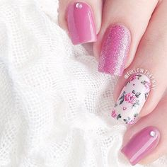 #Manicure with flowers and glitter ===== Check out my Etsy store for some nail art supplies https://www.etsy.com/shop/LaPalomaBoutique