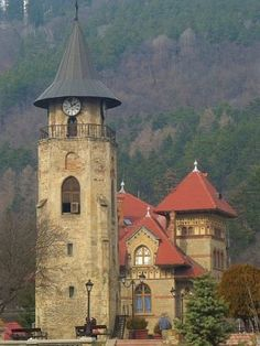 Stephan the Great King's Tower in Piatra Neamtz town, Romania Beautiful Places To Visit, Wonderful Places, Places To See, Interesting Buildings, Beautiful Buildings, Bulgaria, Ukraine, Visit Romania, The Beautiful Country