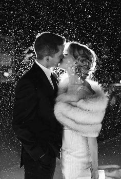 54 New Ideas wedding winter photography fur stole Night Wedding Photos, Wedding Night, Wedding Pictures, Night Photos, Wedding Fur, Our Wedding, Dream Wedding, Wedding Ideas, Snow Wedding