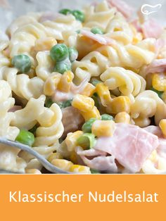 Pasta salad is popular at every party. With this recipe, the salad is quick and easy. # pasta salad salad Pasta salad is popular at every party. With this recipe, the salad is quick and easy. Big Mc, Pasta Salat, Couscous Salat, Making Hard Boiled Eggs, Potato Salad With Egg, Egg Salad, Diy Snacks, Easy Pasta Salad, Egg Recipes For Breakfast