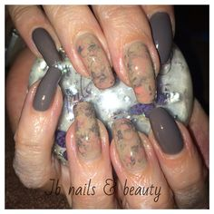 Grey & nude gel polish on natural nails with marble art