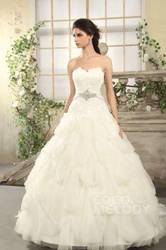 Latest Princess Sweetheart Chapel Train Tulle Wedding Dress CWLT13036 #weddingdresses #cocomelody