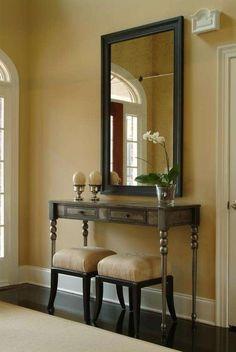 Come arredare il foyer - Ingresso classico con orchidea