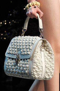 Col Crochet, Crochet World, Crochet Tote, Crochet Handbags, Crochet Purses, Fashion Handbags, Purses And Handbags, Diy Handbag, Macrame Bag