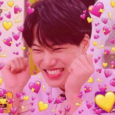 grafika exo, kai, and meme Chanyeol, Exo Kai, Kyungsoo, Exo Memes, Kaisoo, Exo Icons, K Pop, Kpop Gifs, Heart Meme