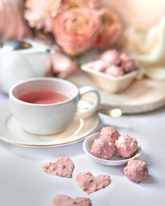 """••✶🧁𝒸𝑜𝑜𝓀𝒾𝓃𝑔 𝒾𝓈 𝒸𝒶𝓇𝒾𝓃𝑔 ✶•• on Instagram: """"🌸 Tea time 🌸 . SNAPMYCAKE ! La Team #snapmycake se challenge en pâtisserie et en photographie culinaire. 1er challenge avec les thèmes…"""" Homemade Pastries, Challenge, Instagram, Food Photography"""