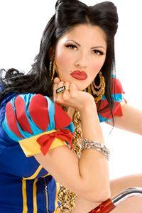 chola style snow white