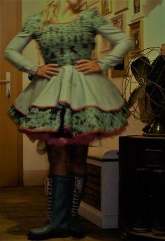 Handmade Einzelstück Kleid Zwergenschön Rockabilly Fiefties Der Arm, Rockabilly, Summer Dresses, Fashion, Dress Skirt, Alternative, Nice Asses, Moda, Summer Sundresses