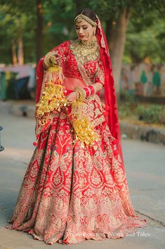 Asian Bridal Dresses, Indian Bridal Outfits, Indian Bridal Fashion, Indian Bridal Wear, Indian Bride Poses, Indian Bridal Photos, Indian Wedding Bride, Latest Bridal Lehenga, Designer Bridal Lehenga