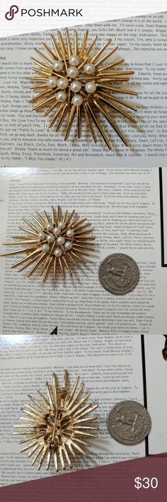 Trifari Starburst Pin Pretty pearl and gold starburst brooch. This is Trifari unstamped. In great condition. Trifari Jewelry Brooches