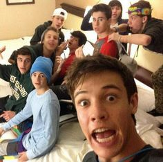 Just crying myself to bed by to 1/2 magcon :'(