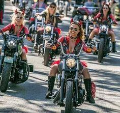 Best female motorcycle helmets woman girls on bikes 36 Ideas Female Motorcycle Riders, Womens Motorcycle Helmets, Ducati Motorbike, Motorbike Girl, Lady Biker, Biker Girl, Motard Sexy, Harley Davidson, Chicks On Bikes