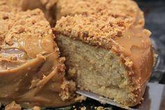 Aprenda a preparar um bolo junino de paçoca super fácil. A receita de paçoca junino, é a mesma que passou no programa de domingo. Bolo Junino de Paçoca.