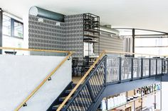 Bellevue Café Restaurant Bar Interior Design Geländer (Seil, Stahl) Sichtbeton, Wandgestaltung, Tapete