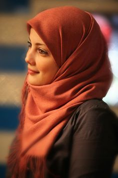 #hijab #hijabi // Is it just me, or does she look like Drew Barrymore?