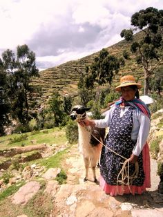 hard to believe this could've been my grandmother if they wouldn't have moved here over 50 years ago. Bolivia, Latin America, South America, Peru, Titicaca, Andes Mountains, Equador, Amazing Race, Salar De Uyuni
