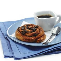 Cinnamon Rolls With Raisins. Make this for Saturday morning breakfast! 150 calories per roll.