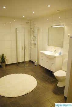 badrum,fibo trespo,dusch,klinker,duschvägg Future Farms, Farm House, Room Inspiration, Bathroom Ideas, Beautiful Homes, Bathtub, Exterior, Design, Decor