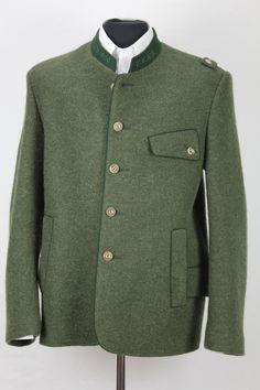 Jagdwalkjanker #Walkjanker Coat, Fashion, Hunting Camo, Clothing, Trousers, Jackets, Sewing Coat, Fashion Styles, Coats