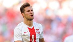 Paris Saint-Germain have completed the signing of Poland international Grzegorz Krychowiak from FC Sevilla. The player signed a five-year deal with PSG, which will keep him at the club until… Polished Man, International Football, National Football Teams, West Bromwich, Cute Guys, Premier League, My Boys, Sexy Men, Soccer