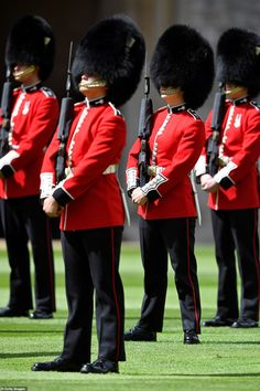 Guardsmen keep social distance as they stand in formation for a ceremony at Windsor Castle... Buckingham Palace Garden Party, Queen's Official Birthday, Queens Guard, Non Commissioned Officer, Lance Corporal, Royal Guard, Isabel Ii, Royal Marines, Royal Engagement