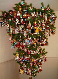 Upside-Down Disney Christmas Tree. Now I would do a tree, if I could do this.