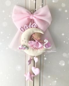 Soft Toys Making, Queen Cakes, Baby Mobile, Felt Baby, Baby Nursery Decor, Baby Toys, Baby Gifts, Projects To Try, Baby Shower