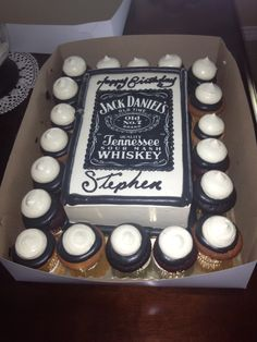 Jack Daniel's 30th Birthday Cake 21st Birthday Cakes, Birthday For Him, 60th Birthday Party, Birthday Ideas, Jack Daniels Party, Jack Daniels Birthday, Cigar Party, Dad Cake, Amazing Cakes