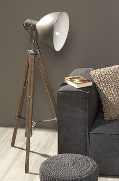 Stoere lamp vista staat goed in een industriële omgeving. Maar bij een warm interieur, past deze ook erg goed!