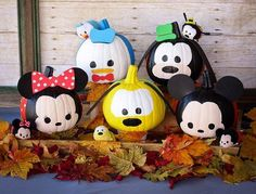 Deter ghouls this Halloween with pumpkin versions of favorite Characters from and Elsa to friendly stackable Tsum Tsum. pumpkin painting Disney Pumpkin Decorating: 3 Enchanting How-Tos for Halloween Mickey Mouse Halloween, Minnie Mouse Pumpkin, Disney Halloween Decorations, Fröhliches Halloween, Disney Pumpkin, Halloween Birthday, Holidays Halloween, Halloween Pumpkins, Fall Pumpkins