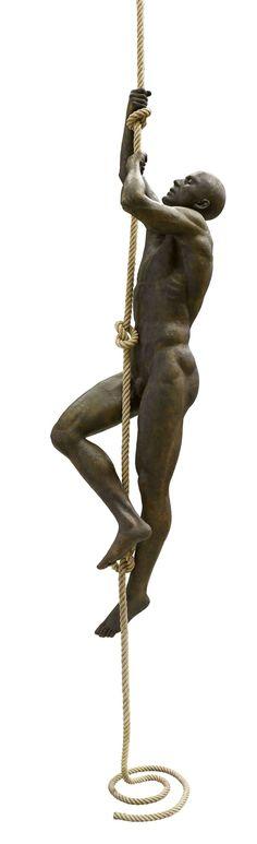 Escultura figurativa.                                                                                                                                                                                 Más