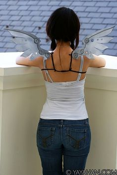 Cool wings! I bet I could totes do this myself. Steampunk wings made out of foam! $30, via Etsy.