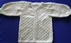 yakadan-baslamali-incili-kiz-cocuk-hirka-yapimi Junior, Knit Vest, Pulls, Sweaters, Blog, Clothes, Crafts, Diy, Fashion
