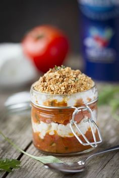 Small tomato and fresh goat cheese crumble Fin La Baleine: the easy recipe - Recipes Easy & Healthy Tapas, I Love Food, Good Food, Yummy Food, Cooking Time, Cooking Recipes, Brunch, Salty Foods, Snack