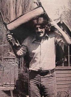 John Bonham at his home on Old Hyde Farm Great Bands, Cool Bands, Led Zeppelin Iv, Classic Blues, Classic Rock, Music Pics, Music Music, Music Videos, John Paul Jones