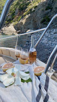 Summer Aesthetic, Travel Aesthetic, Aesthetic Food, Aesthetic Outfit, Aesthetic Dark, Aesthetic Fashion, European Summer, Italian Summer, Destination Voyage