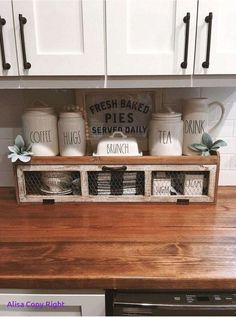 Country Farmhouse Decor, Farmhouse Kitchen Decor, Farmhouse Décor, Farmhouse Shelving, Cafe Kitchen Decor, Kitchen Display, Kitchen Decorations, Country Kitchens, Country Chic