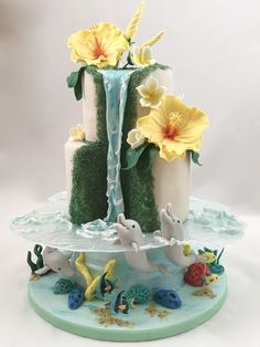 Hawaii Torte Cake Delfin Meer dolphin sea Wasserfall waterfall You are in the right place about Cake Design logo Here we offer you the most beautiful pictures about the Cake Design for beginners you a Gorgeous Cakes, Pretty Cakes, Cute Cakes, Amazing Cakes, Unique Cakes, Creative Cakes, Fondant Cakes, Cupcake Cakes, Cake Icing