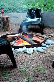 Awesome DIY Backyard Fire Pit Design Ideas & Plans to Make Happy with Your Family - Go to your and sit around the to maintain a conversation, instead. Make A Fire Pit, Fire Pit Uses, Diy Fire Pit, Fire Pit Backyard, Concrete Fire Pits, Wood Burning Fire Pit, Fire Pit Lighting, Propane Fire Pit Table, Fire Pit Landscaping