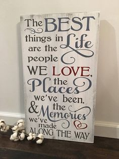The best things in life are the people we love / Rustic Wood signs/ Rustic Farmhouse Decor / Rustic Signs / Wood Signs / Wooden Sign DIY Wood Signs Decor Farmhouse life Love People Rustic Sign Signs Wood Wooden Rustic Wood Crafts, Rustic Farmhouse Decor, Wooden Crafts, Rustic Decor, Diy Wood, Wooden Art, Vintage Farmhouse, Country Farmhouse, Old Wood Signs