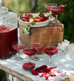 Succulent Strawberry Pomegranate Punch | This homemade drink recipe is so refreshing for an outdoor summer wedding.
