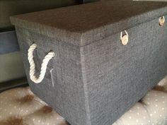 Κουτί λινό μπέζ & γκρί με κουμπιά Storage Chest, Ottoman, Chair, Furniture, Home Decor, Decoration Home, Room Decor, Home Furnishings, Stool