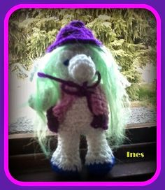 ***UNCINETTANDO***: GNOMO NASONE Crochet Crafts, Crochet Dolls, Fantasy, Christmas Ornaments, Holiday Decor, Hats, Creative, Handmade, Crocheting