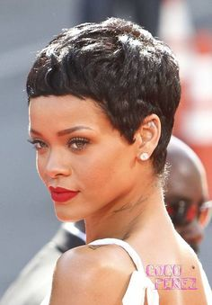 Rihanna short hair again Girls Natural Hairstyles, Pixie Hairstyles, Short Hairstyles For Women, Wedding Hairstyles, Cool Hairstyles, Haircuts, Rihanna Short Hair, Rihanna Pixie, Hair Inspo